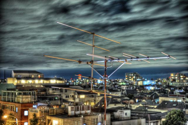 オリジナルHDR@目黒某ビル階段よりアンテナ