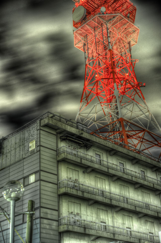 HDR(ハイダイナミックレンジ)目黒郵便局に行く途中の大きなタワー@目黒