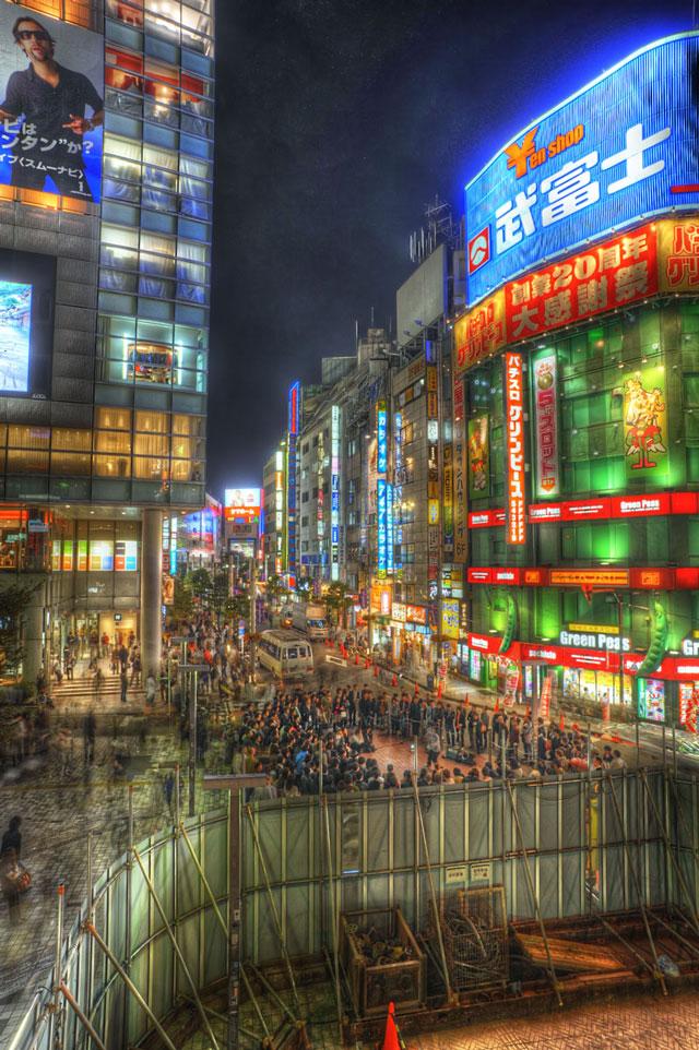 HDR(ハイダイナミックレンジ)ストリートパフォーマンス@JR新宿駅南口