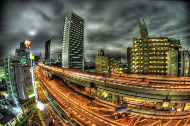 デジタルカメラ関連雑誌の発行部数と単価