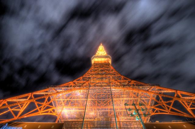 HDR(ハイダイナミックレンジ)東京タワー覗き見る@赤羽橋building71.jpg