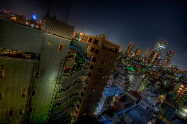 HDR(ハイダイナミックレンジ)深夜散歩中に見つけた高層マンション静寂の中の光と陰@池袋building84.jpg