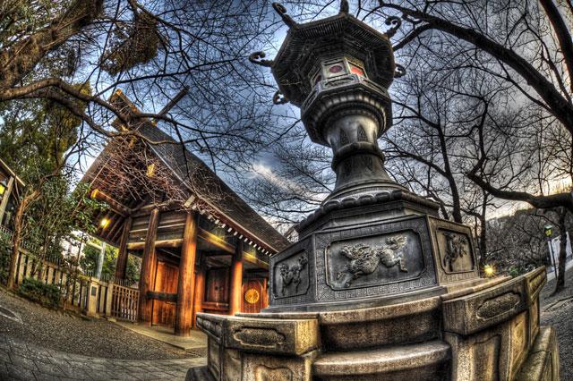靖国神社の灯籠