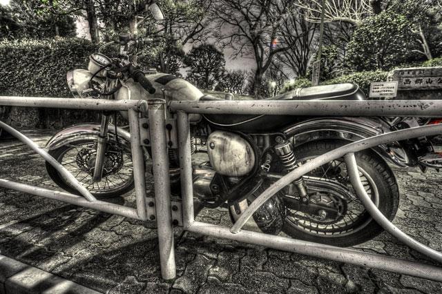 ガードレールとバイクと@西郷山公園