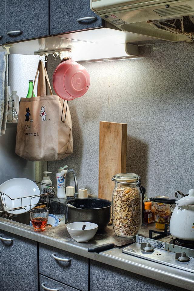 お待たせしました、台所です。