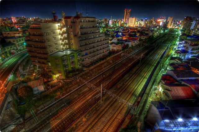 HDR(ハイダイナミックレンジ)ダイアゴナル線路夜景@池袋railway05.jpg