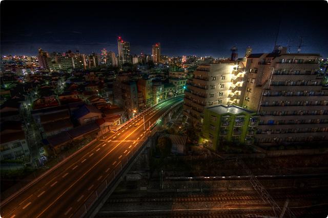 HDR(ハイダイナミックレンジ)某所屋上からの線路夜景@池袋railway06.jpg