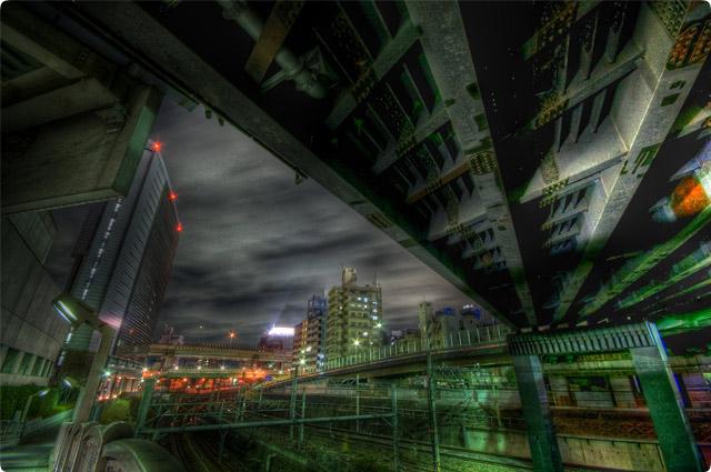 HDR(ハイダイナミックレンジ)線路と夜景とラブホテル群@池袋railway07.jpg