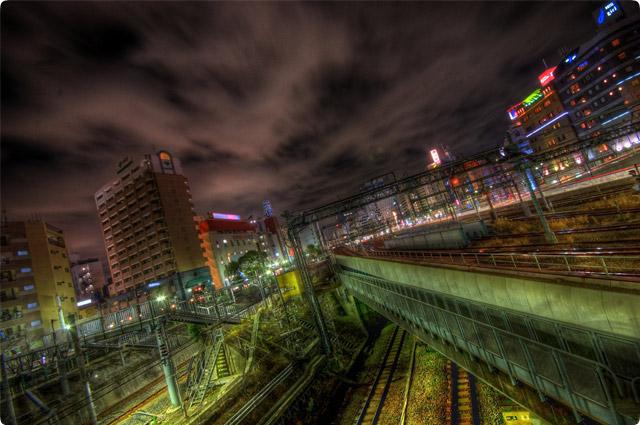 HDR(ハイダイナミックレンジ)線路夜景線路@池袋railway09.jpg
