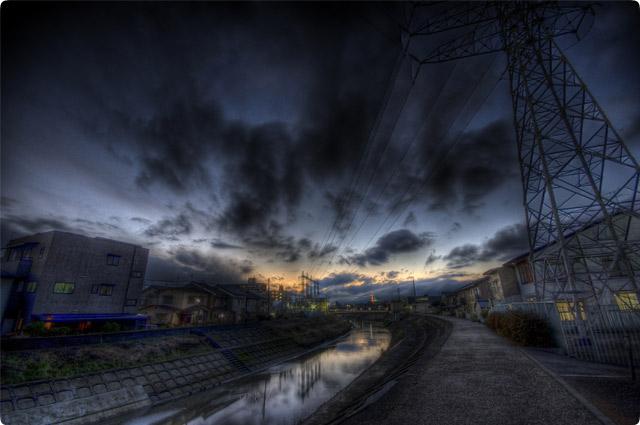 HDR(ハイダイナミックレンジ)空と鉄塔と川と@福井river02.jpg