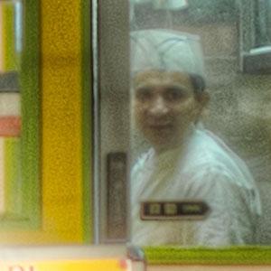 インド料理屋の店員