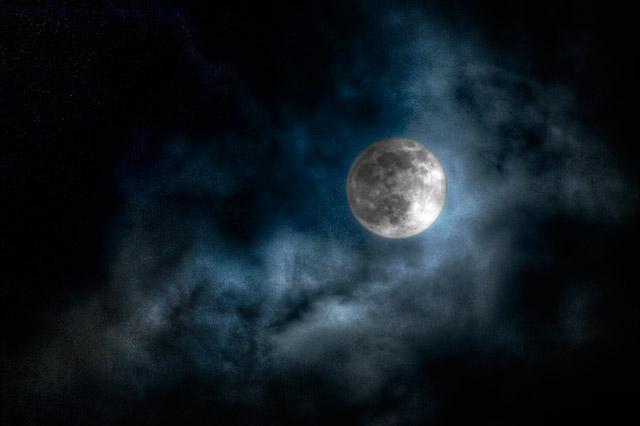 そうだ、月を、撮ってみよう