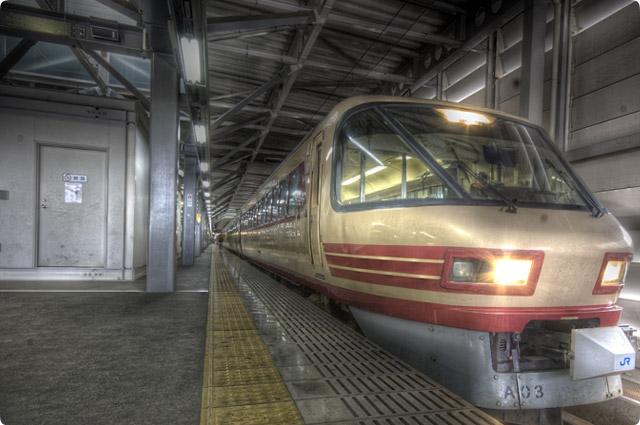 HDR(ハイダイナミックレンジ)サンダーバード米原方面行き@福井駅train01.jpg