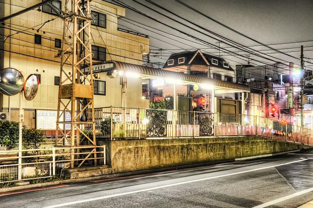 深夜の都電荒川線荒川遊園地前駅