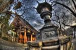 ハイダイナミックレンジ写真 - 靖国神社の灯籠