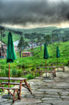 ハイダイナミックレンジ写真 - スキー場で傘@蓼科